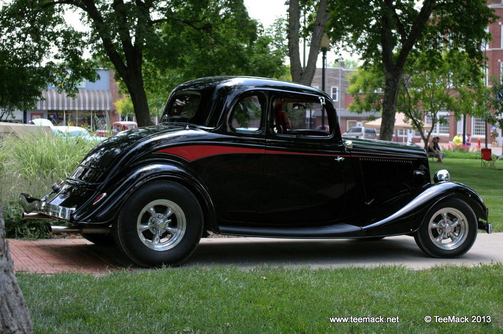 1934_Ford_Hot_Rod-003