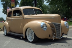 1940_Ford_Sedan_Hot_Rod-002