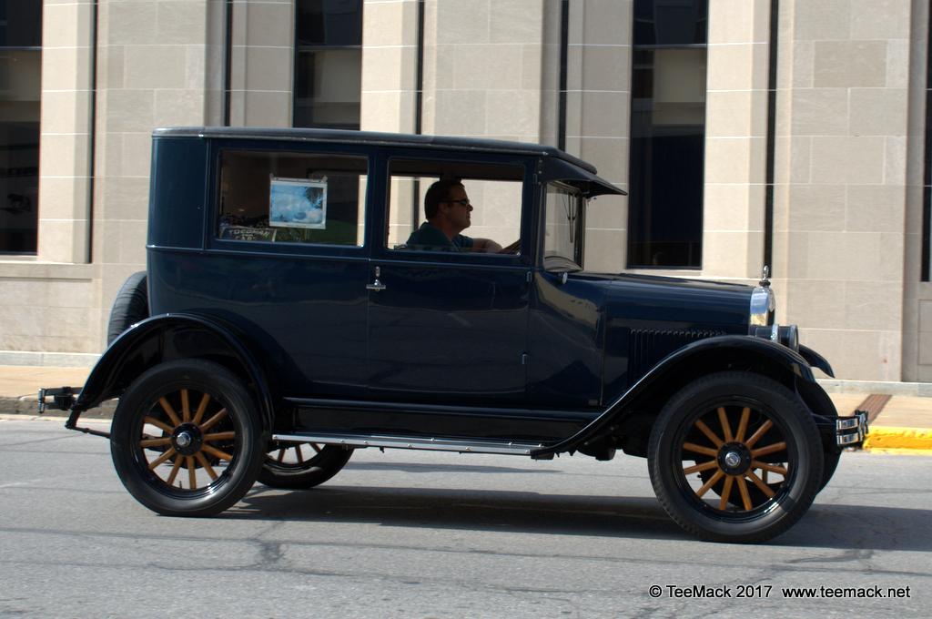 1925 Chevrolet Sedan